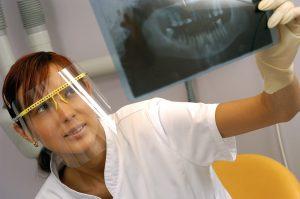 DD_dal dentista_chi è e come si forma il dentista